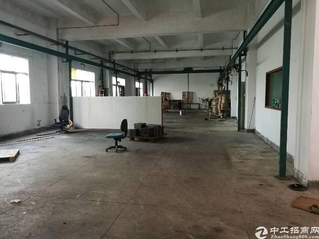 西乡固戍二楼一楼标准厂房650平米带装修出租
