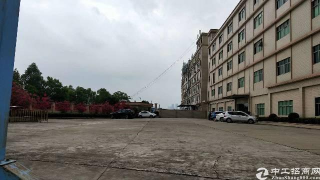 观澜桂花小学对面厂房出租