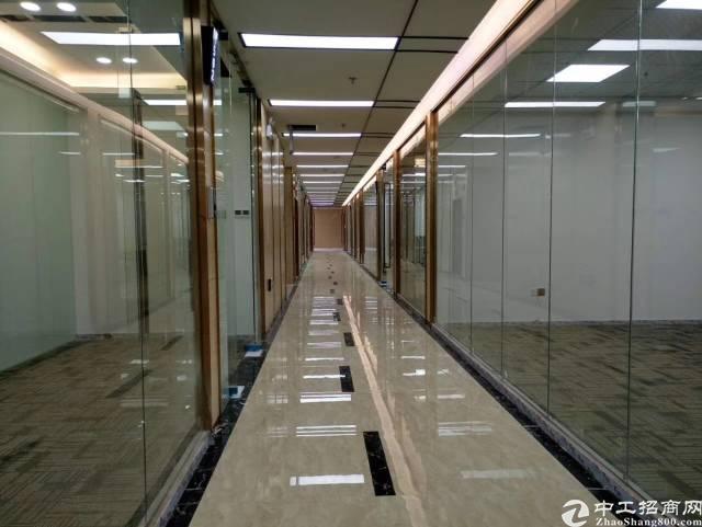 《物业直租》全新精装写字楼近地铁站特价68元出租