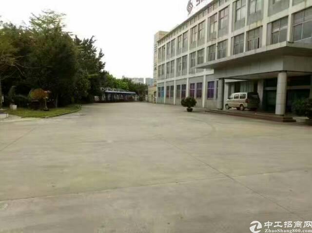 福永07国道边上2栋厂房16000平米