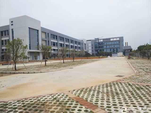 横沥高新技术开发区分租2/3楼12000平方