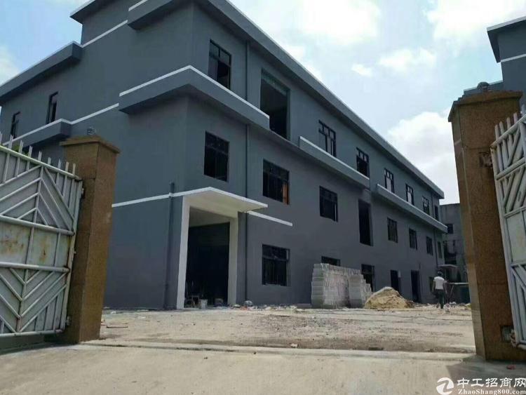 房东独门独院厂房1-3F 3600方,整租4万元。宿舍400