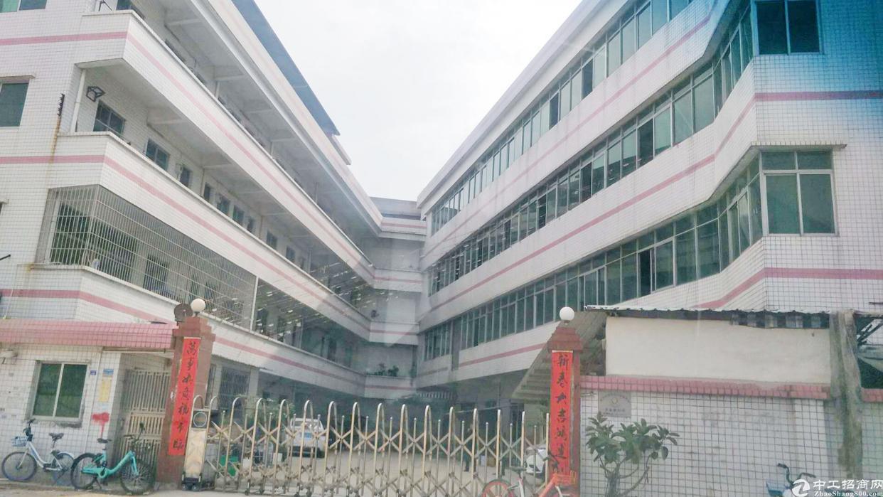 万江共联附近新出独门独院标准厂房,可分租,交通便利!