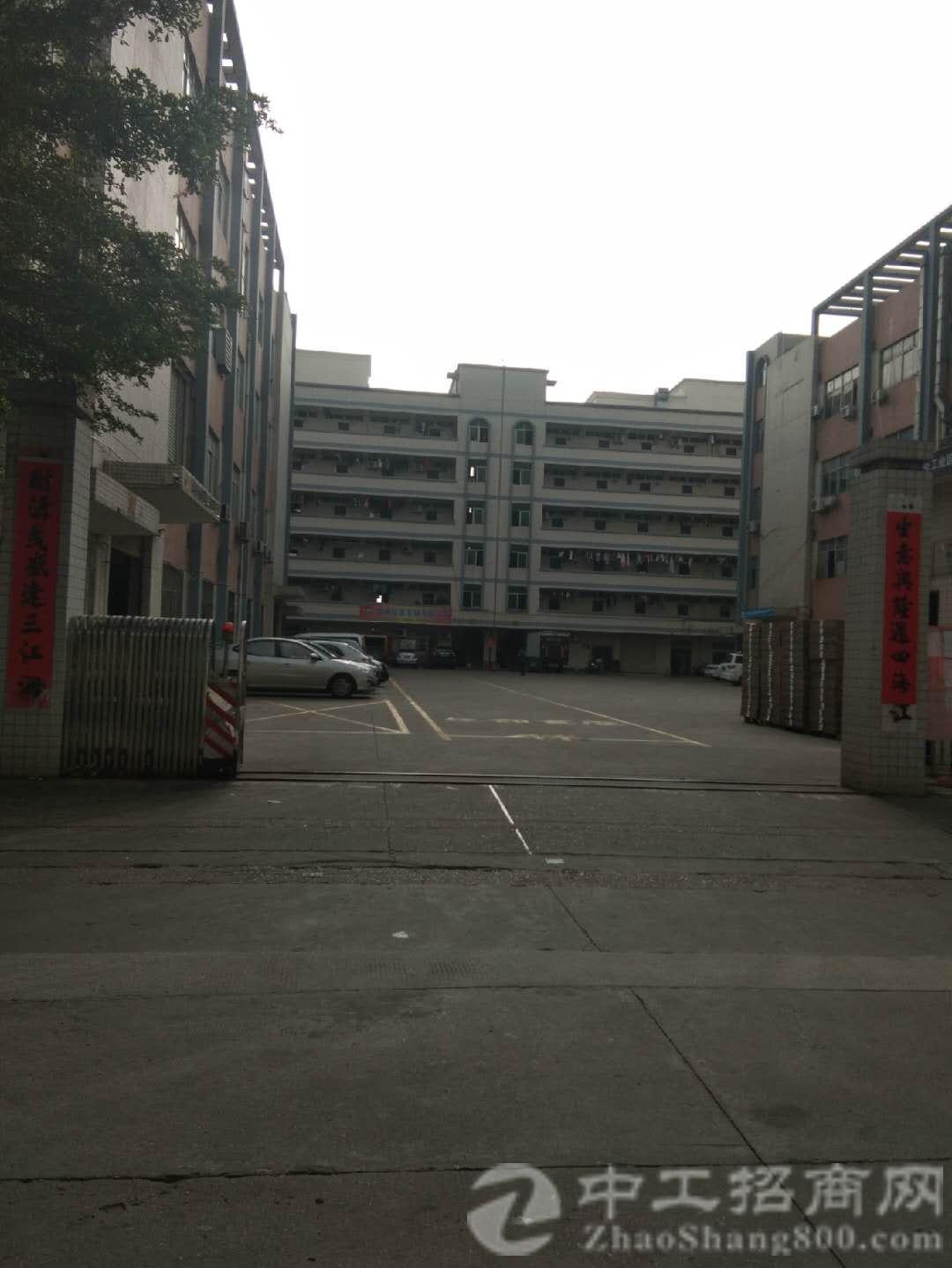 观澜牛湖三楼1200平米带装修厂房出租