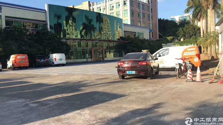 龙华新区大浪行政中心旁新出13000平物流仓库