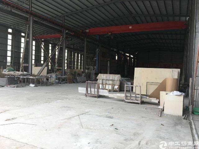 龙岗坪地8米高独院钢构2400平带5吨行车空地大可分租