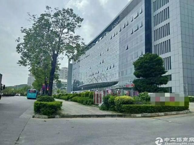 龙华大浪创意产业园新出精装修厂房6楼整层2200平