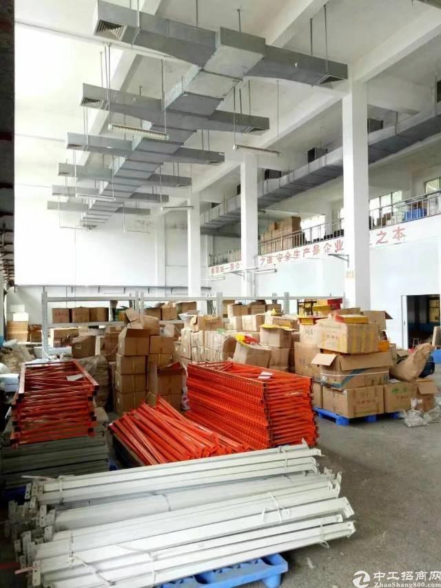 坪地六联龙岗大道旁新空出一栋厂房每层1100平,共2200平