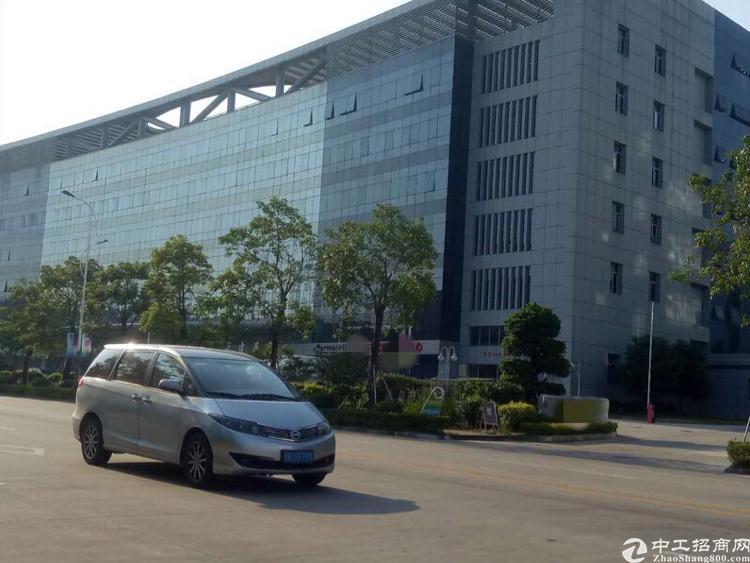 龙华高速口附近2200平花园式厂房,带精装修,2部货梯