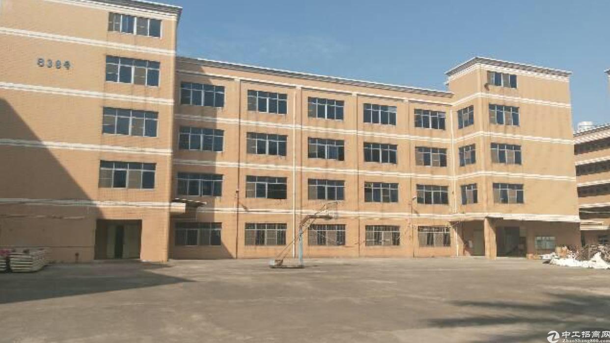 平湖辅城坳工业区业主独院厂房8500平方米出租