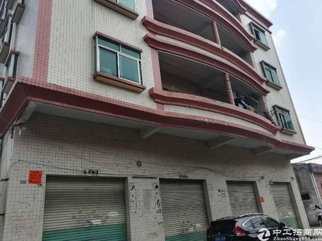三楼出租 500平方 单价13 原房东 只接受无污染噪音少