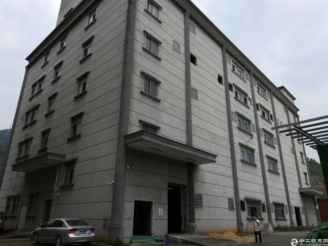 石岩北环路新出楼上1540平米厂房招租