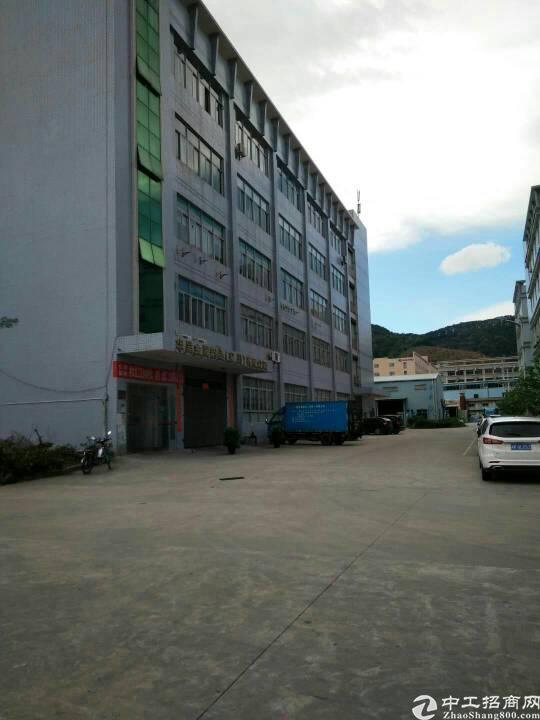 南光高速出口1-6层10300平米厂房出租