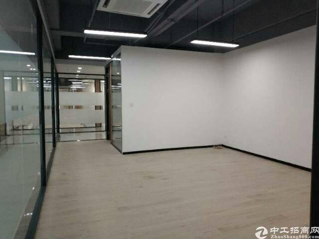 福永地铁口100米处新出精装写字楼出租