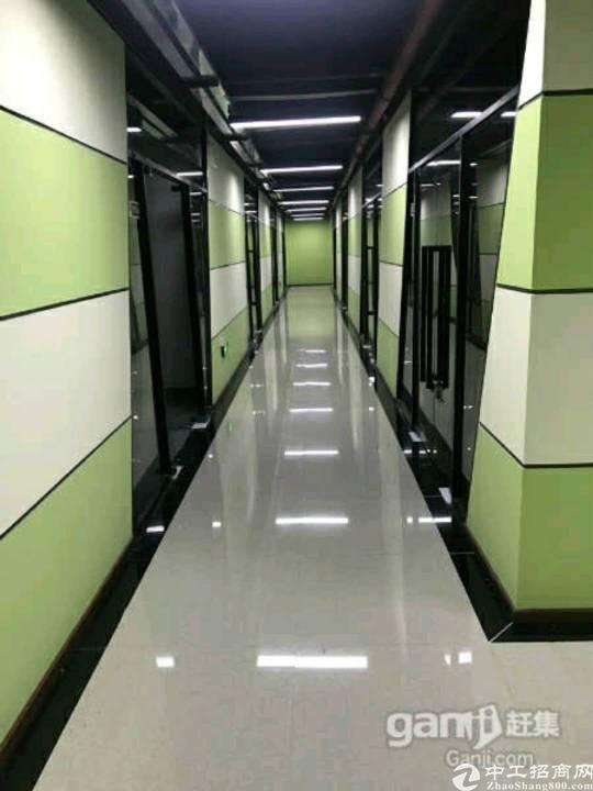 横岗地铁站218平方精装修办公室出租!