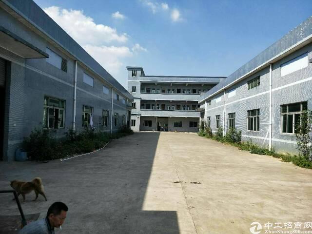 石湾镇独门独院钢构厂房4300平方