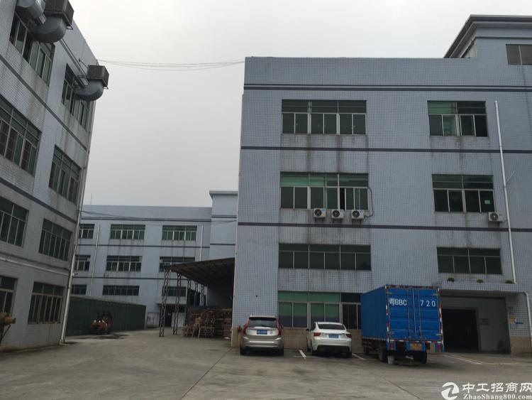 观澜福民原房东标准厂房,面积实在园区形象超好。带精装修。