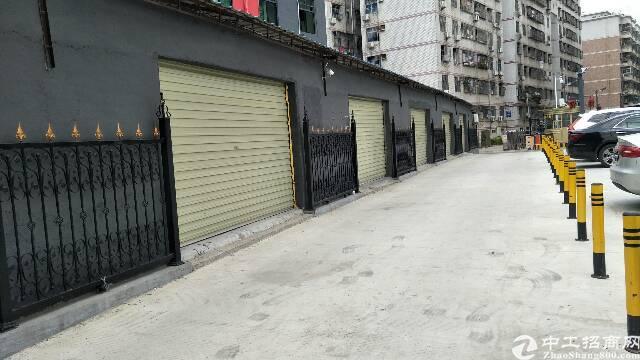 深圳平湖广场新出原房东一楼仓库