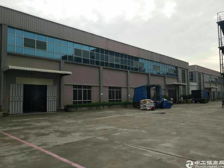 新出独院,总面积8667㎡。 厂房2层,一楼6.5米,二楼5