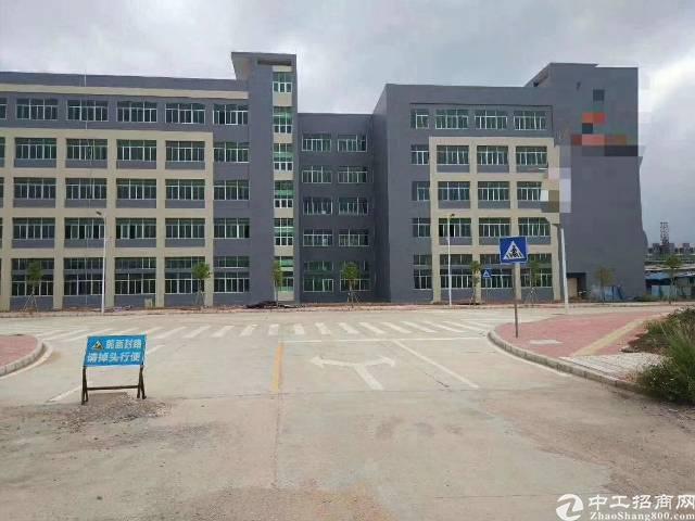 横岗189工业区现有三楼厂房1100平电子厂转让转让费5万