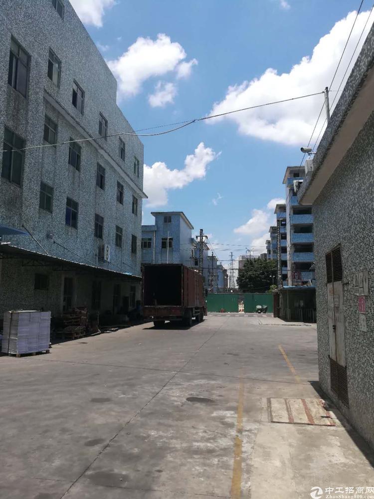 沙井万丰社区附近新出楼上200平方带装修厂房出租