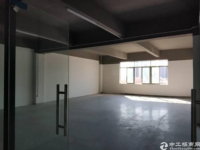 龙岗区横岗镇六约社区原房东厂房有320平招租三楼有电梯22元