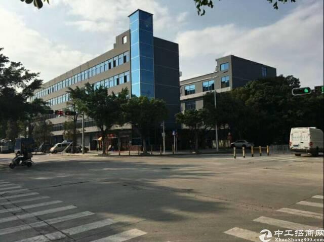 临近深圳主干道边上新出原房东带牛腿消防喷淋花园式厂房出租