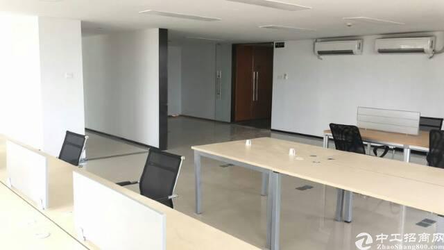 龙光世纪大厦11楼458平米精装修带家私出租