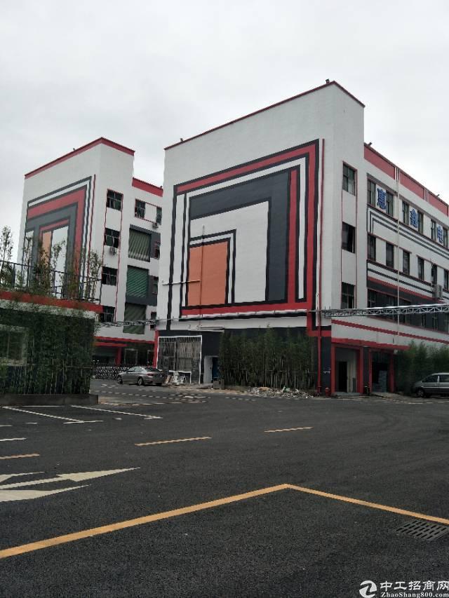 龙岗中心城新出厂房,原房东带红本,现成装修