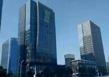 宝华地铁口50米甲级写字楼240平米精装修出租图片1
