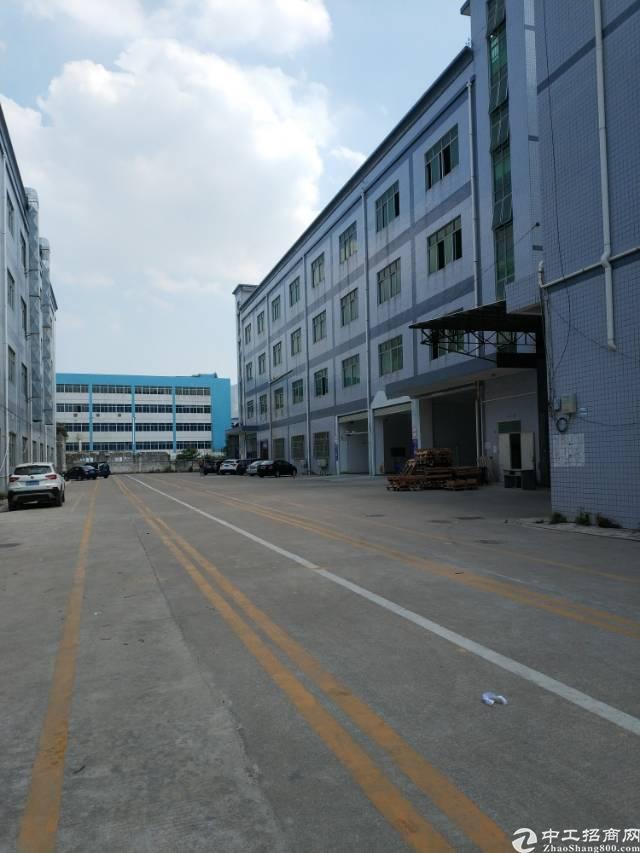 深圳坪山独院标准厂房出租8100平