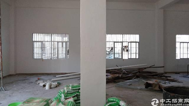 惠阳秋长白石标准厂房一楼400平米出租