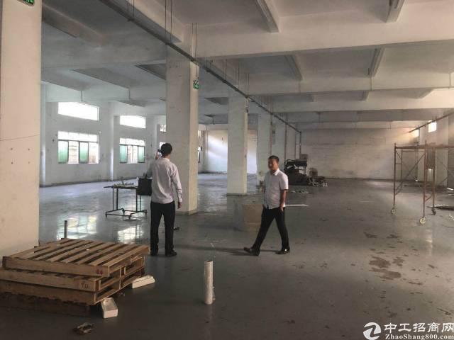 横岗永湖地铁站附近横坪公路边上一楼1300平米厂房招租