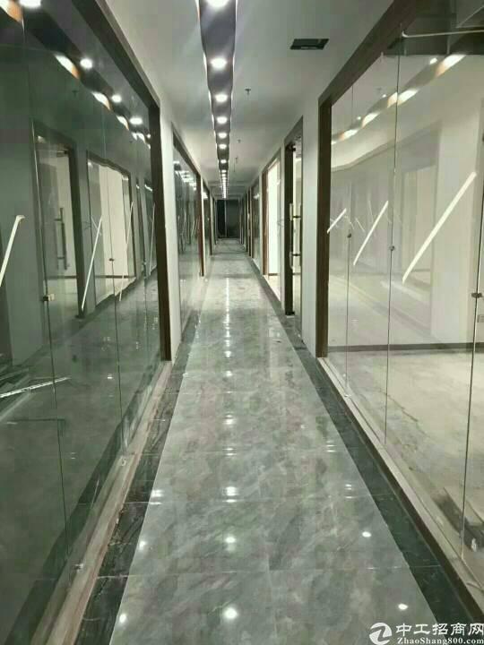 布吉地铁站附近新出68平办公室写字楼出租