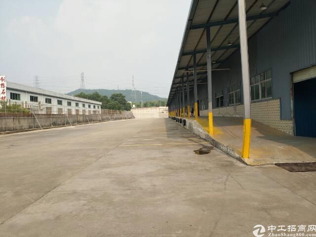 石岩高速口专业物流园4000平方钢构出租