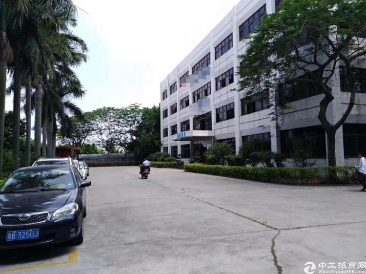 横岗四联独院厂房1-4层6600平米招租,可办环评