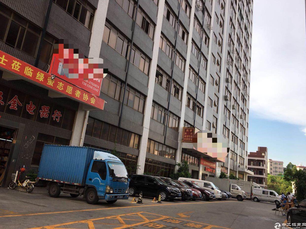 龙华汽车站附近800平超高使用率厂房出租