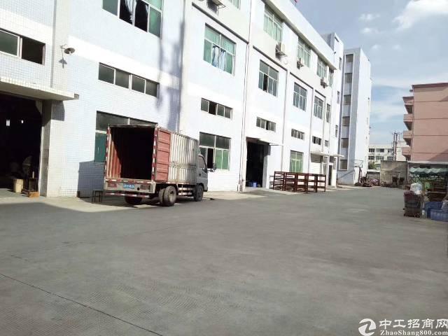 凤岗镇金凤凰工业区独院一楼1100㎡二楼2250㎡
