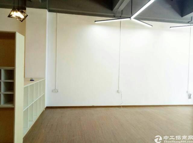 (出租)福永凤塘大道地铁口精装写字(楼8成使用率200平方