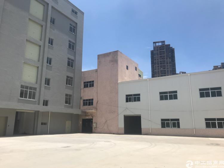 凤岗镇天堂围村原房东独门独院9000平一楼7.6米高带牛角