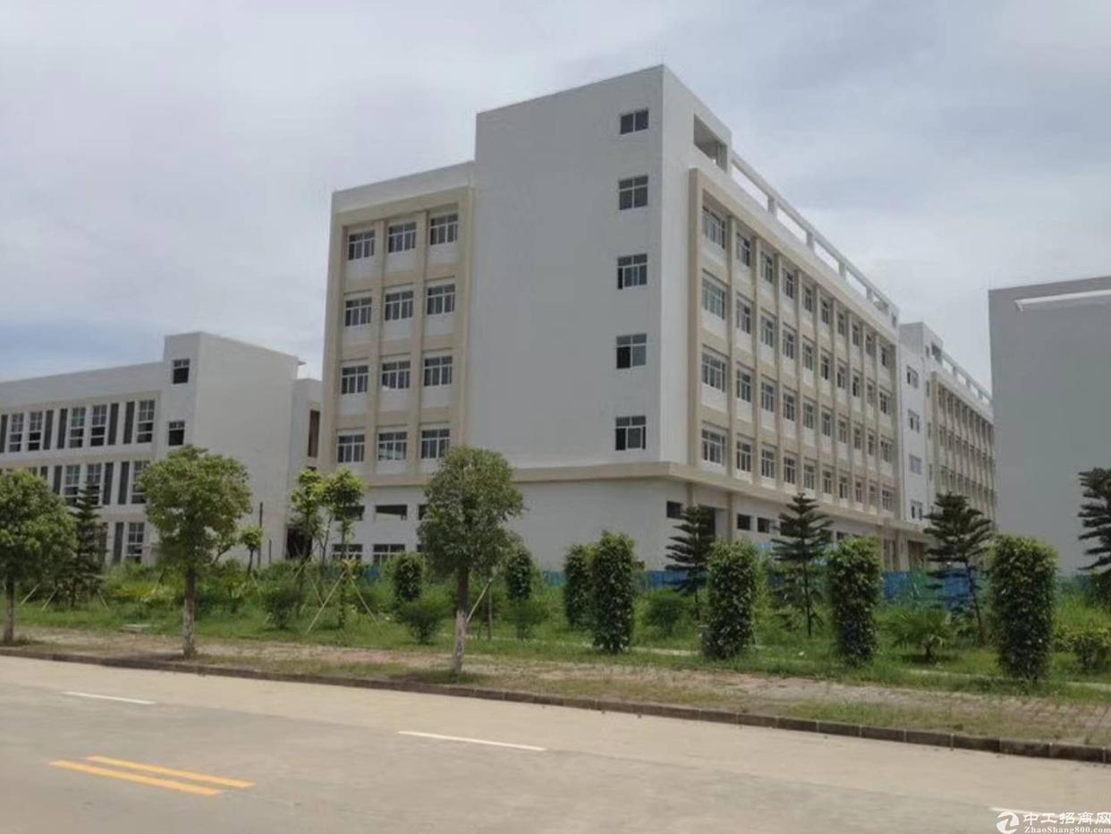 布吉甘坑客家小镇独院厂房26000平方大小分租