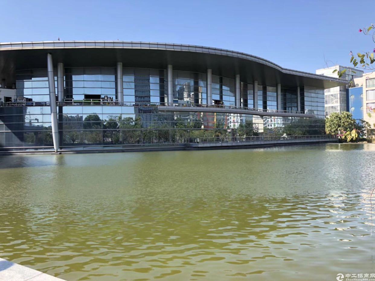坂田花园式红本厂房5800平方大小分租