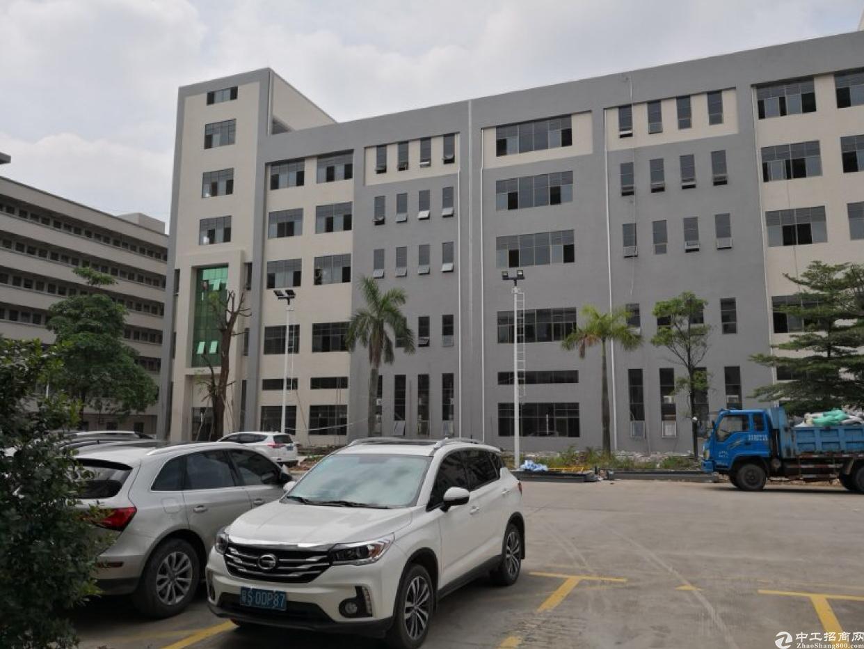 东莞市全新标准厂房20000平方出租!