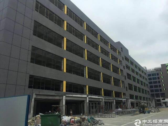 西乡固戍楼上2300平厂房出租