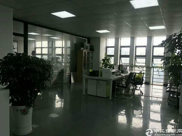 公明南环路旁新出楼上带豪华装修写字楼580平方