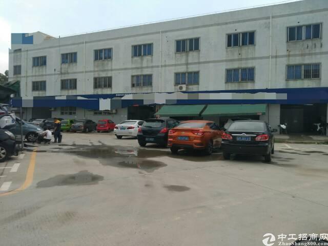 龙华大浪新出楼上厂房1600平,适合仓库,办公