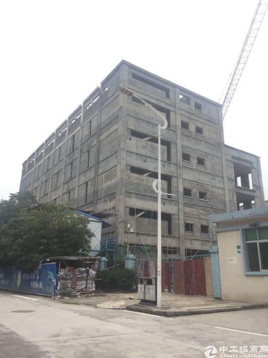 横沥新出原房东独栋厂房,厂房价格非常便宜,交通方便,新建厂房