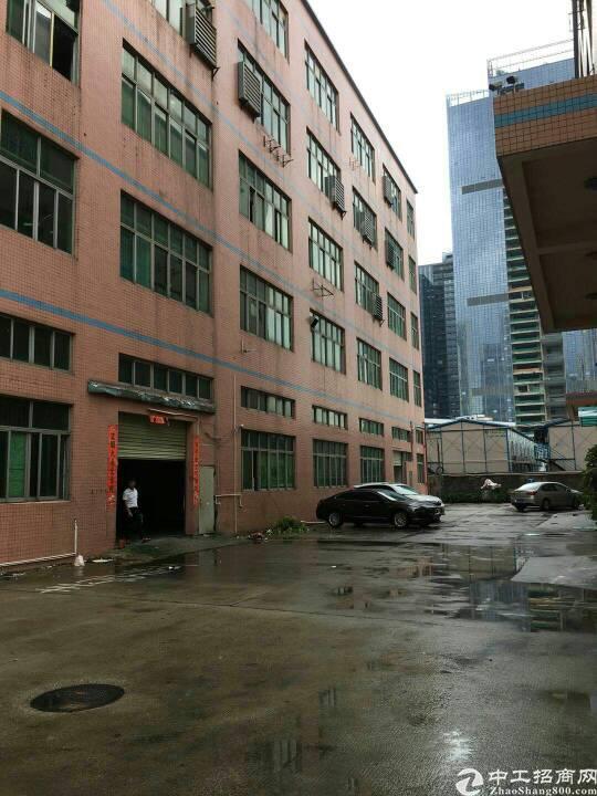 横岗六约社区厂房二楼1200平方出租