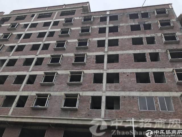 茶山房屋出租总面积6000左右8层半,一二楼可做小型加工厂