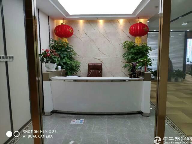 宝华地铁口龙光世纪大厦458平米精装修出租带家私